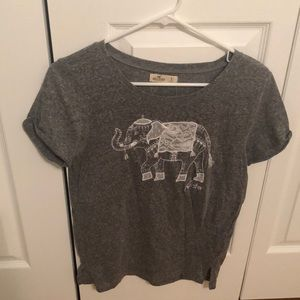 Hollister Tops - 🌻 3/$15 Hollister Elephant T-shirt